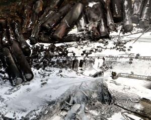fire-fighters-continue-to-water-568d-diaporama1-300x238 dans VIDÉOS PERTINENTES